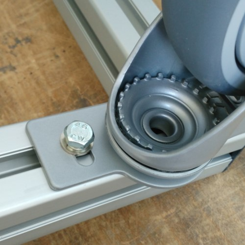 Монтаж 2 колеса с фланцем для станочных профилей